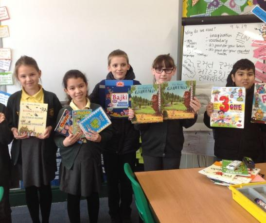 Year 4 sharing home language books
